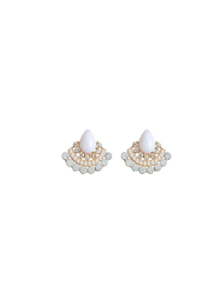 Fan-shaped retro pearl earrings female jewelry niche temperament simple net red Korea ins