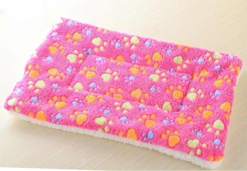 Winter Warm Pet Dog Soft Cushion Large Print Flannel Cotton Mattress Cat Pet Mat Bed Pad Rug Cartoon Printed Cat And Dog Pad 15