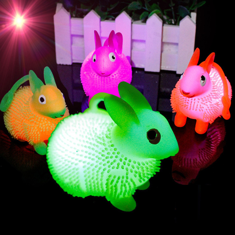 Kids Funny Magic 9CM Rubber Novelty Led Flashing Light Puffer Cute Squidgy Bear Toys For Children Outdoor Play Ball Baby Gift