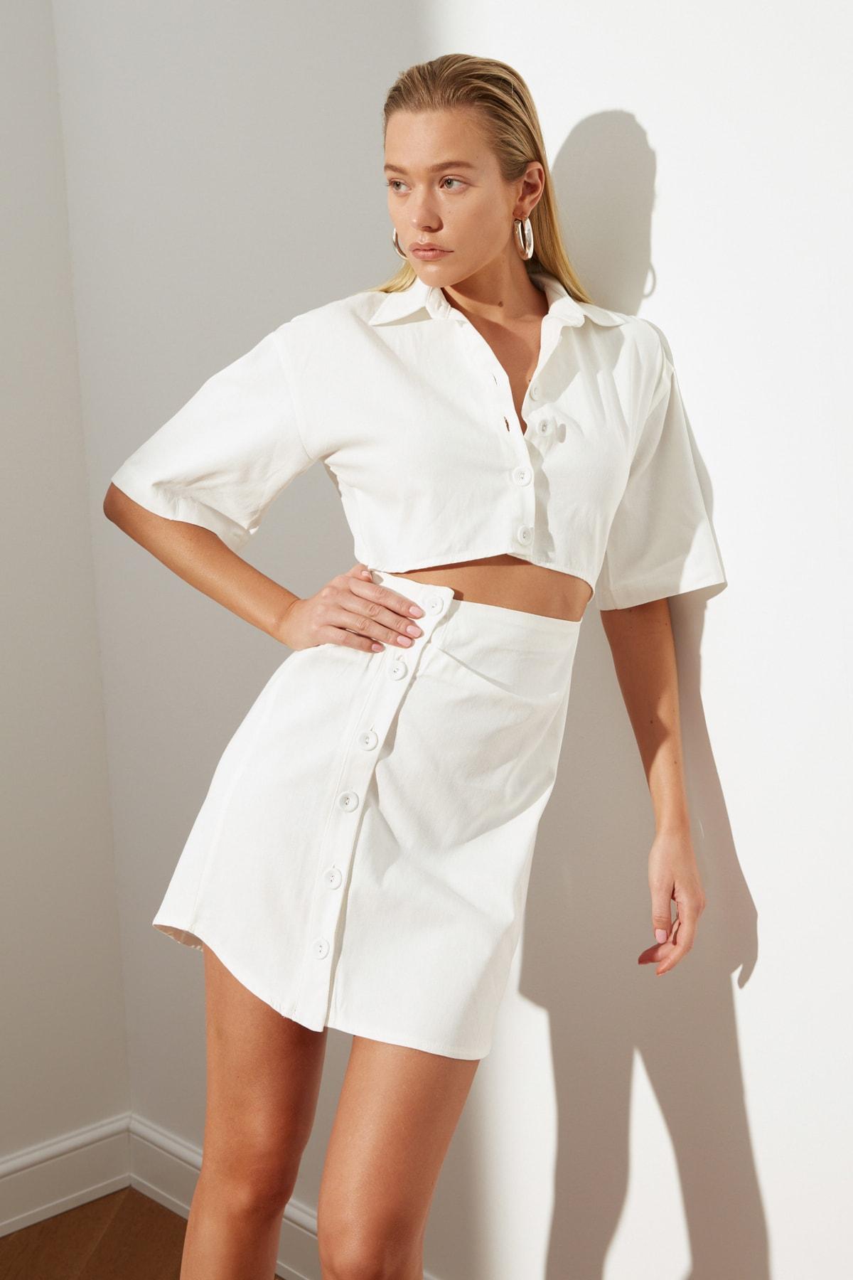 Trendyol Detail at Waist Button Dress TWOSS21EL1780