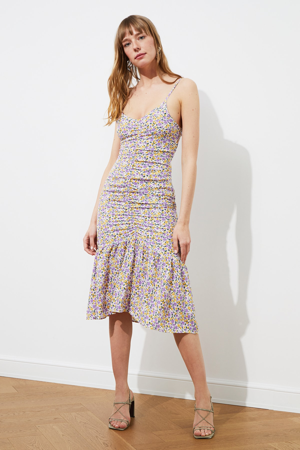 Trendyol Pendant Floral Dress TWOSS21EL0944