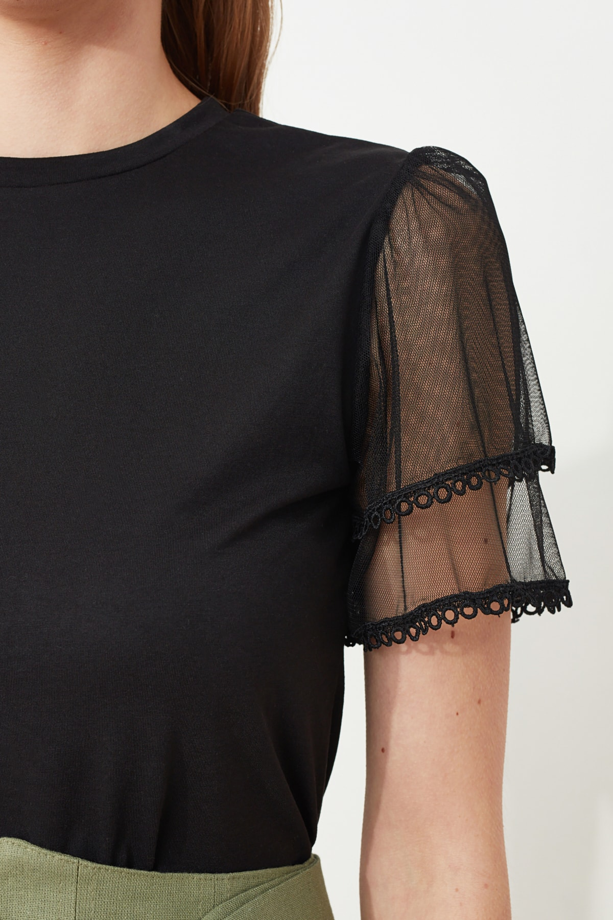 Trendyol Tulle Sleeves and Flywheel Detailed Knitted Blouse TWOSS20BZ0720