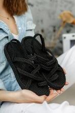 Женские сандалии с вязаной веревкой сделают ваши ноги очень удобными и быстрыми