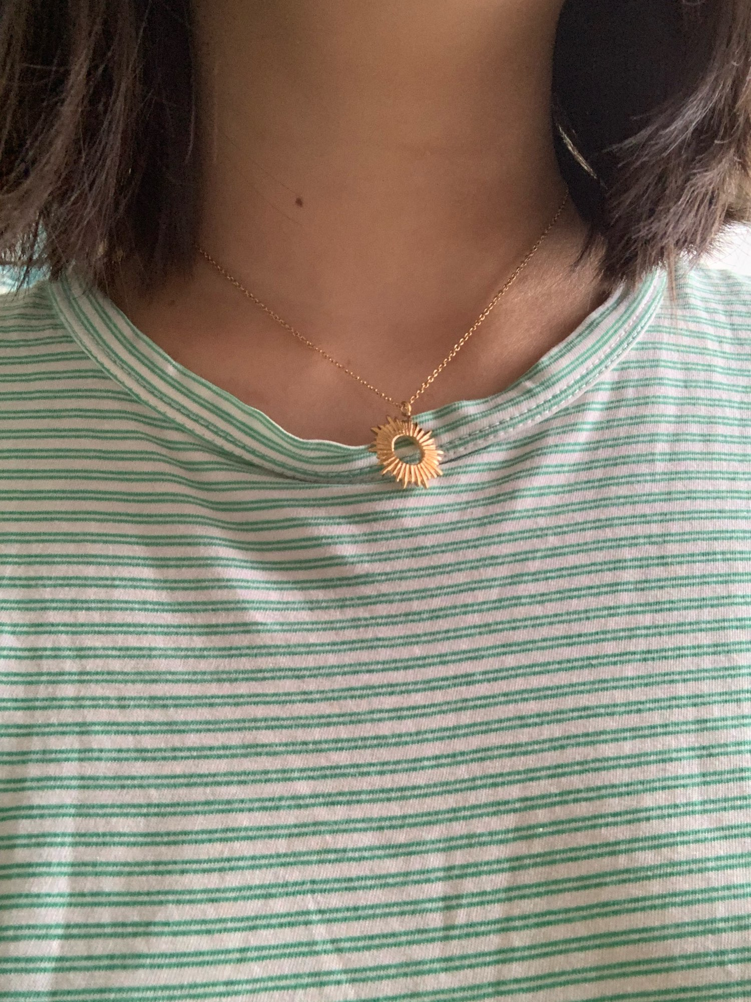 Collier Pendentif Soleil Or photo review