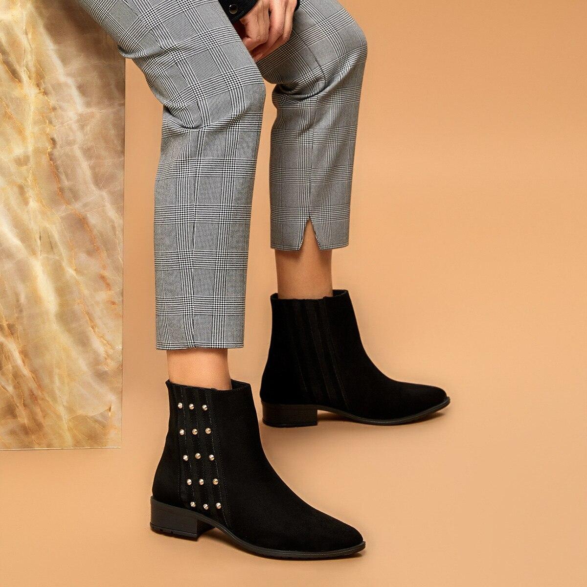 حذاء بوت نسائي FLO VİGO أسود من BUTIGO
