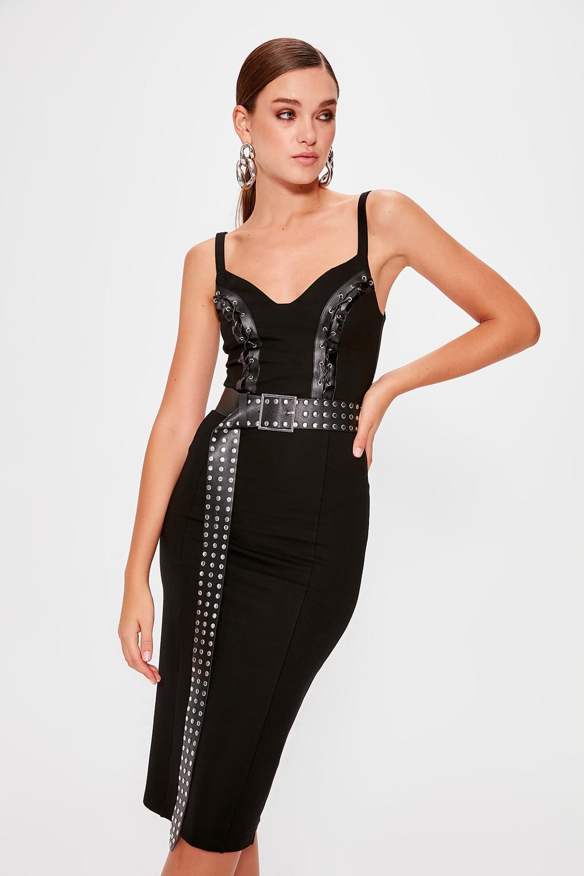 A Size İncelin Trendyol Accessory Detailed Dress TPRAW20EL0644