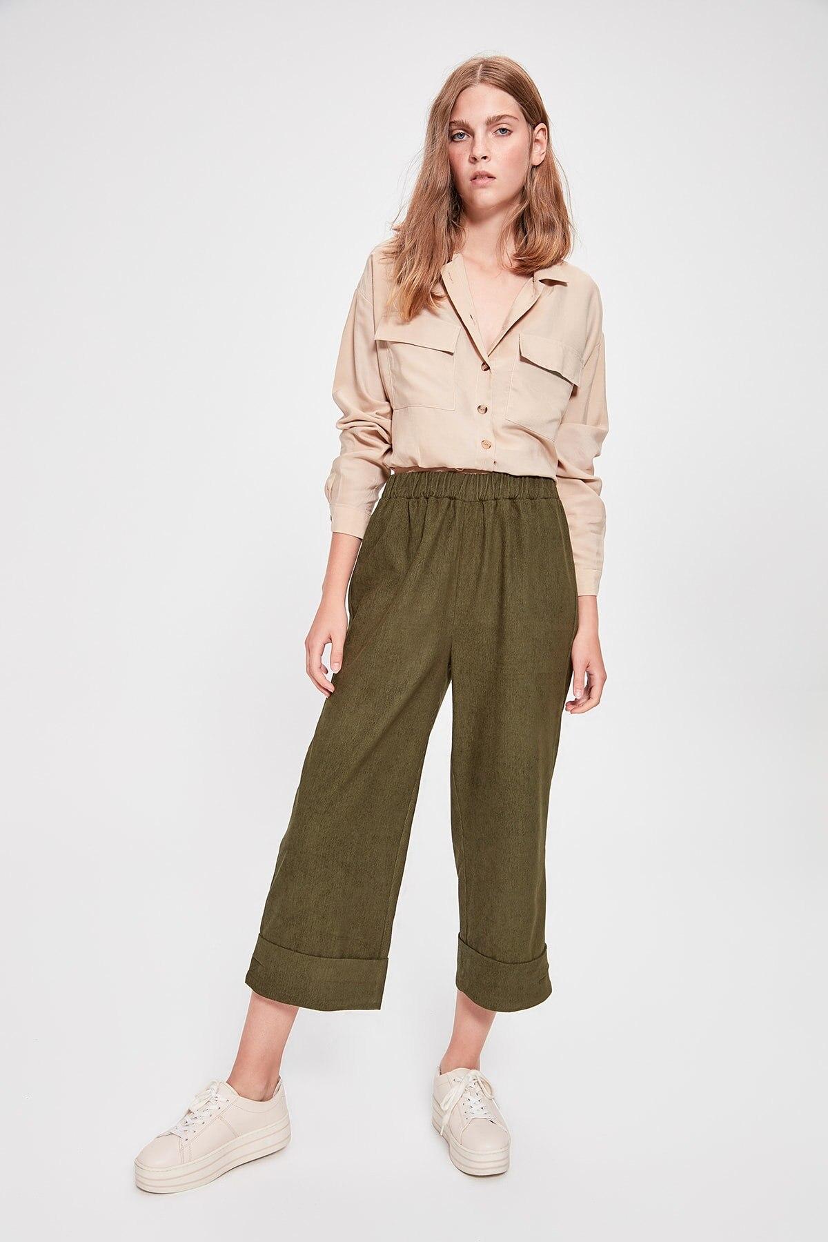 Trendyol Khaki Rubber Detailed Pants TWOAW20PL0053