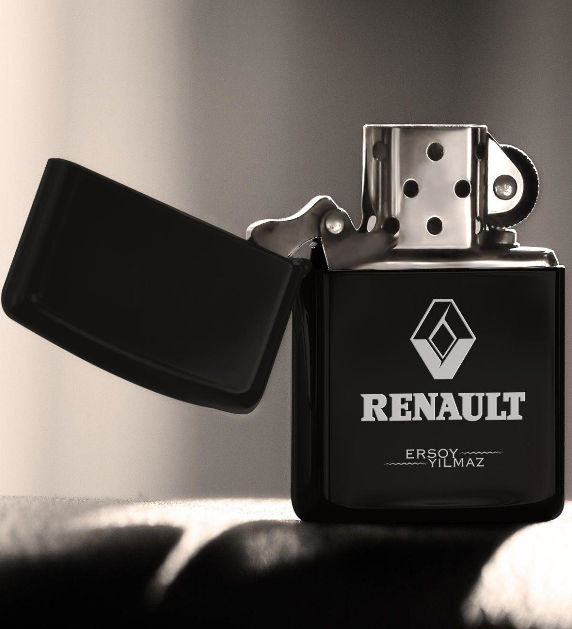 Personalized Renault Gasoline Black Metal Cigarette Lighter