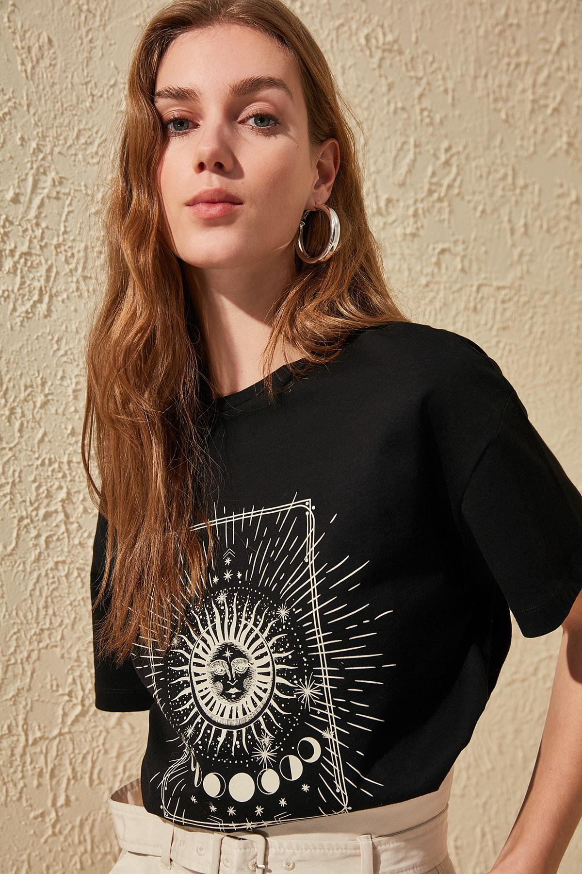 Trendyol Printed Boyfriend Knitted T Shirt TWOSS20TS0247