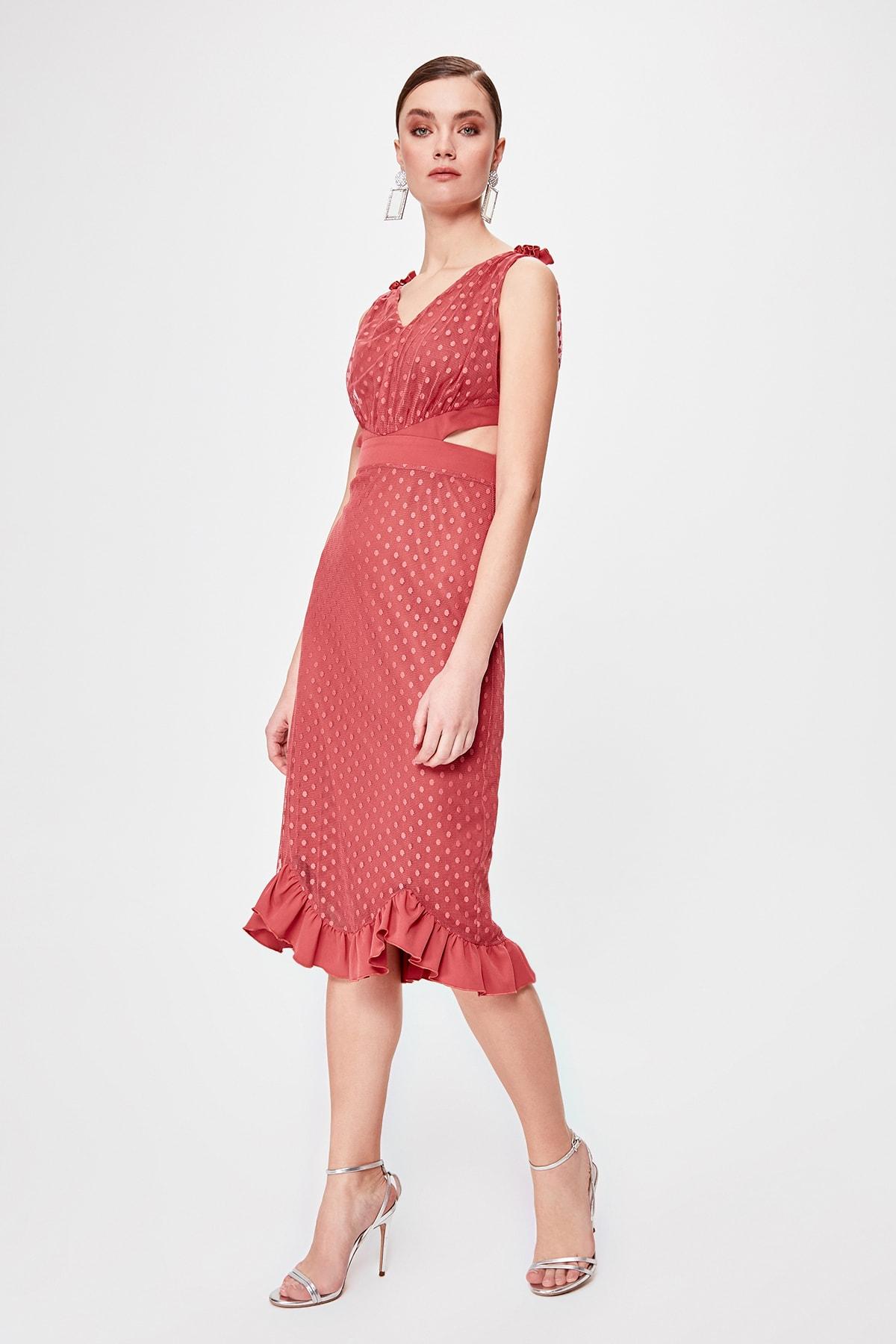 Trendyol Waist Low-Cut Dress TPRSS20EL0033