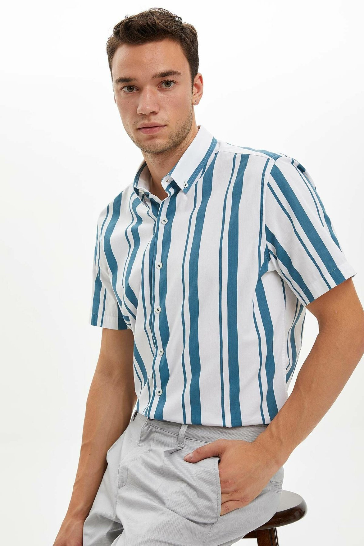 DeFacto Men Simple Casual Striped Short Shirts Lapel Collar Male Shirts Cotton Male Summer Tops New - L6937AZ19SM