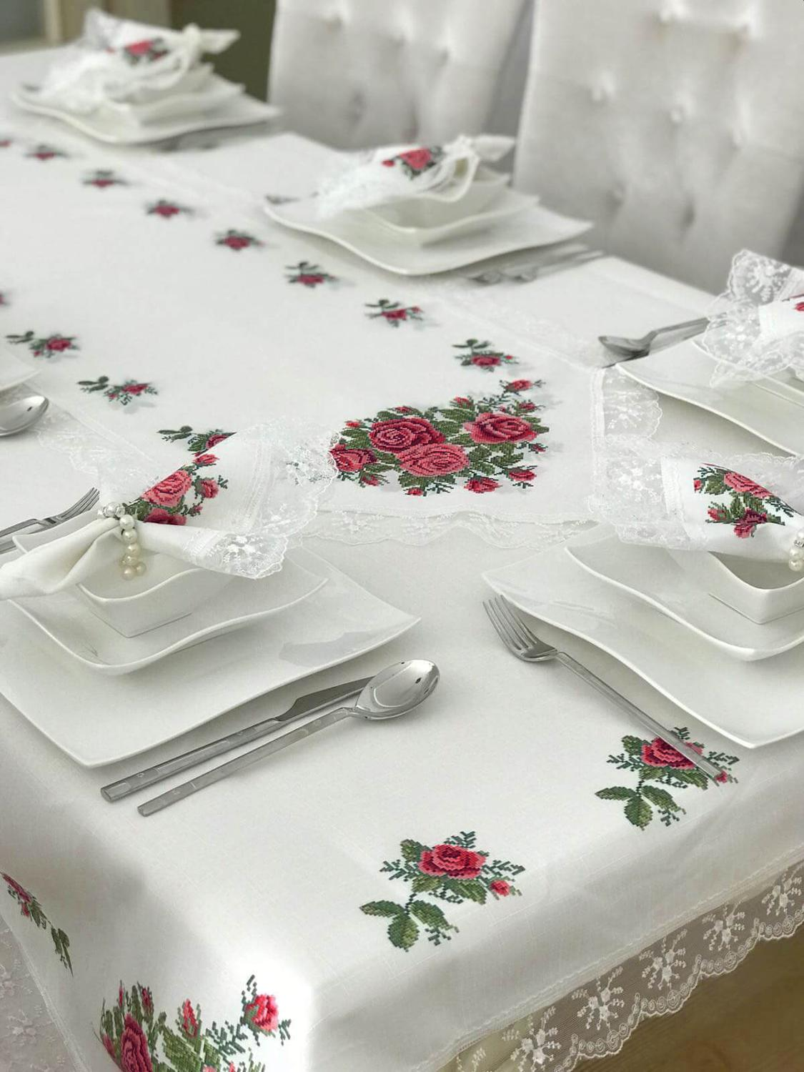 Tablecloth Set Rose Cross Stitch French Lace Edged 160 Cm X 220 Cm - Red