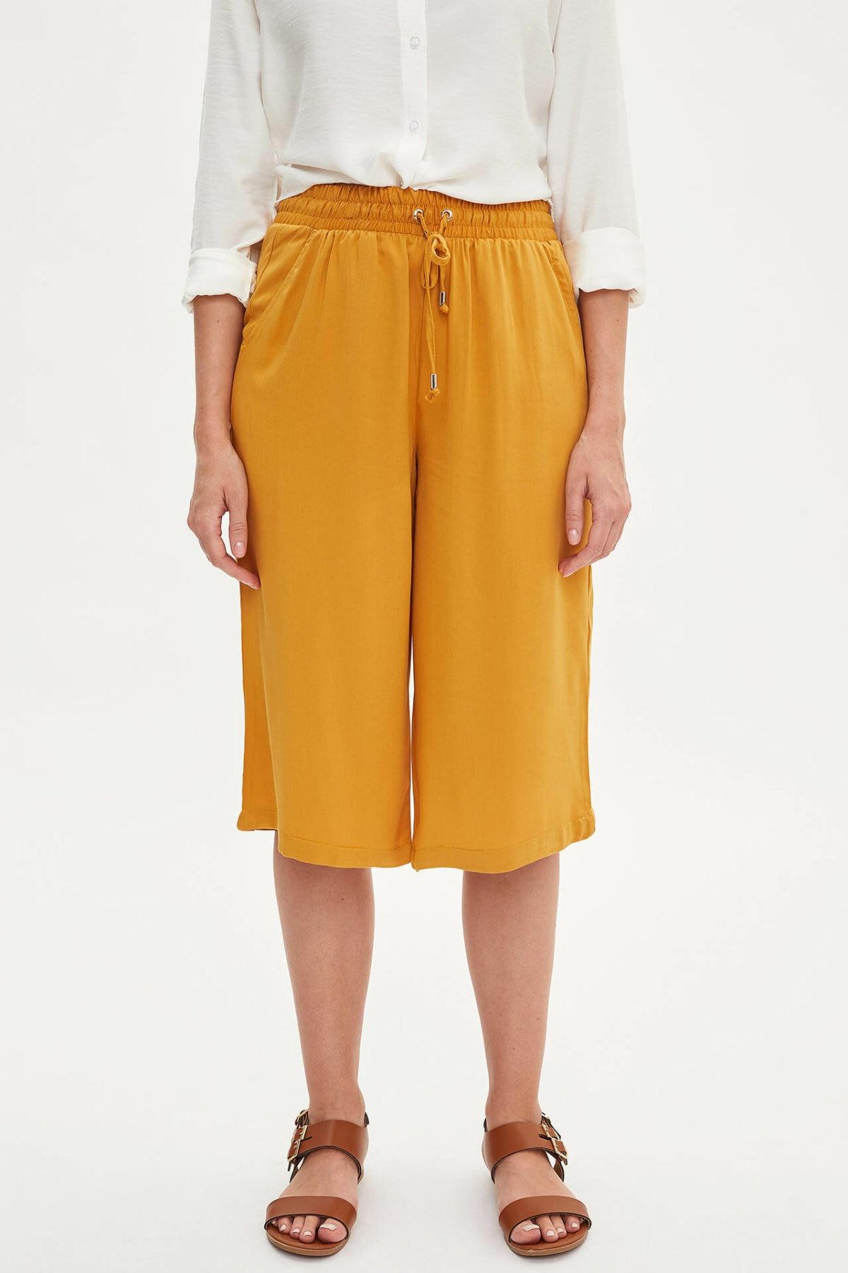 DeFacto Autumn Women Fashion Loose Trousers Female Casual Lace-up Shorts Solid Wide Leg Crop Ladies Shorts- I6798AZ19SM