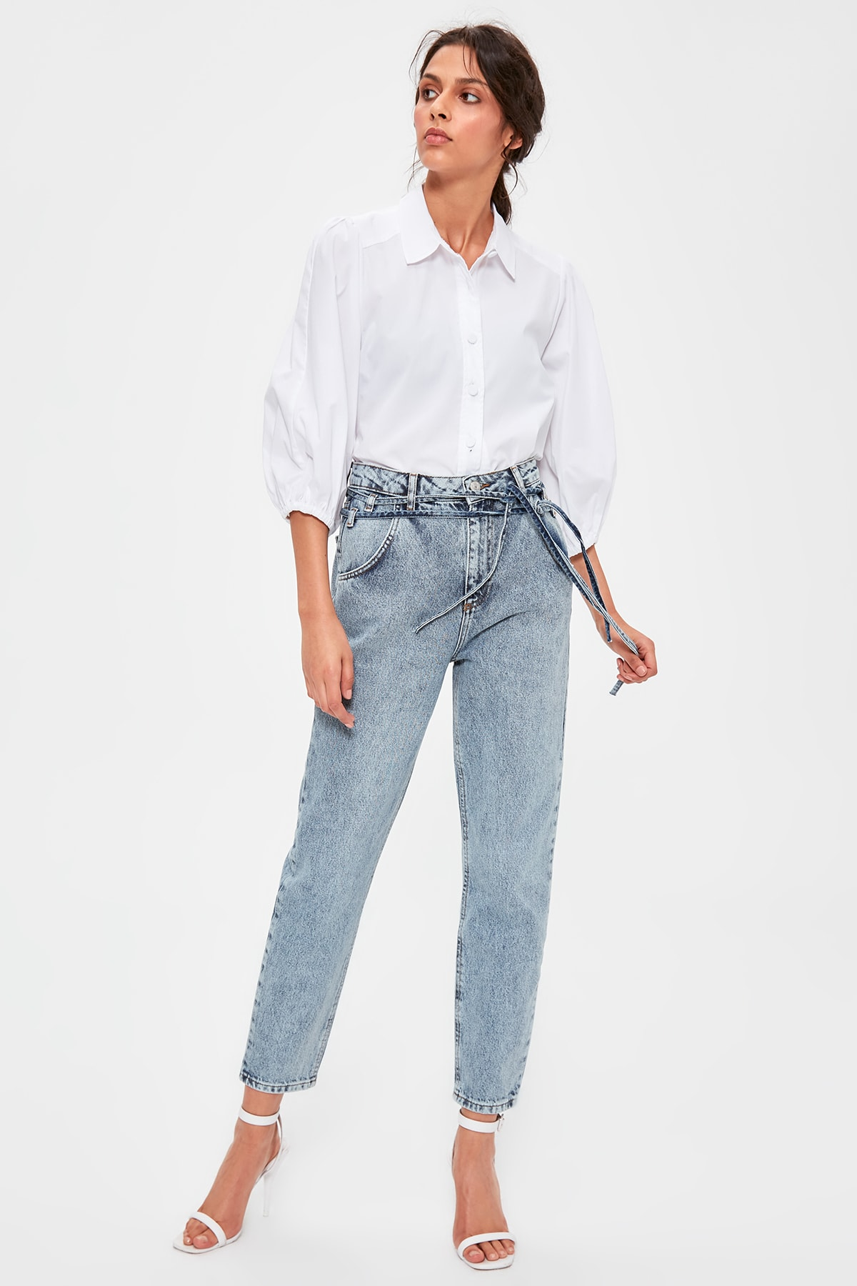 Trendyol Lacing Blue Detailed High Bel Mom Jeans TWOAW20JE0189