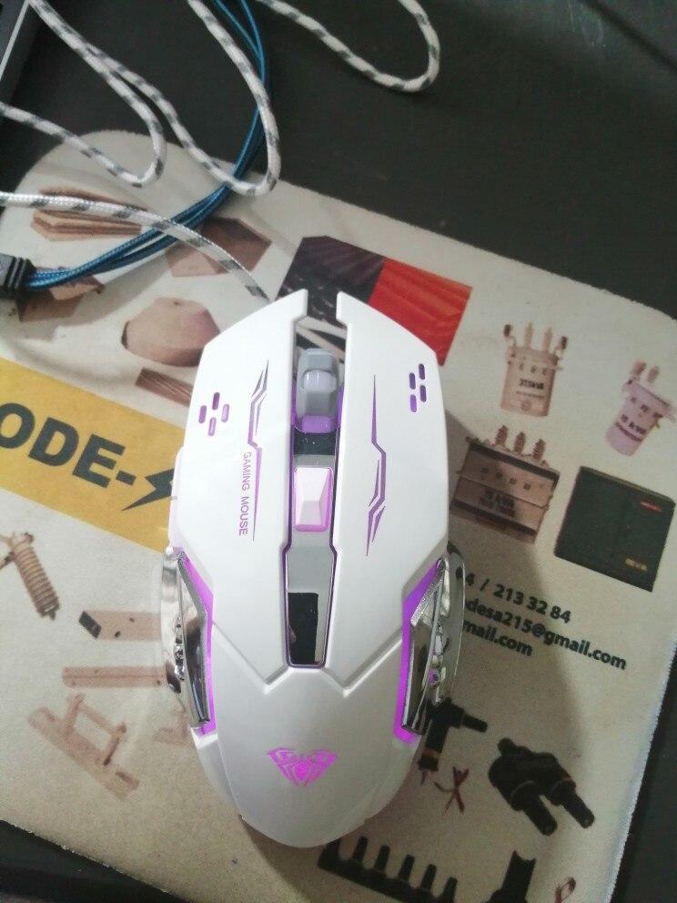 Souris de jeu filaire 6 boutons programmables souris ergonomiques souris de lumière LED colorée pour ordinateur portable, jeu et