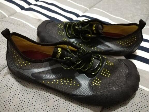 -- Upstream Sapatos Natação