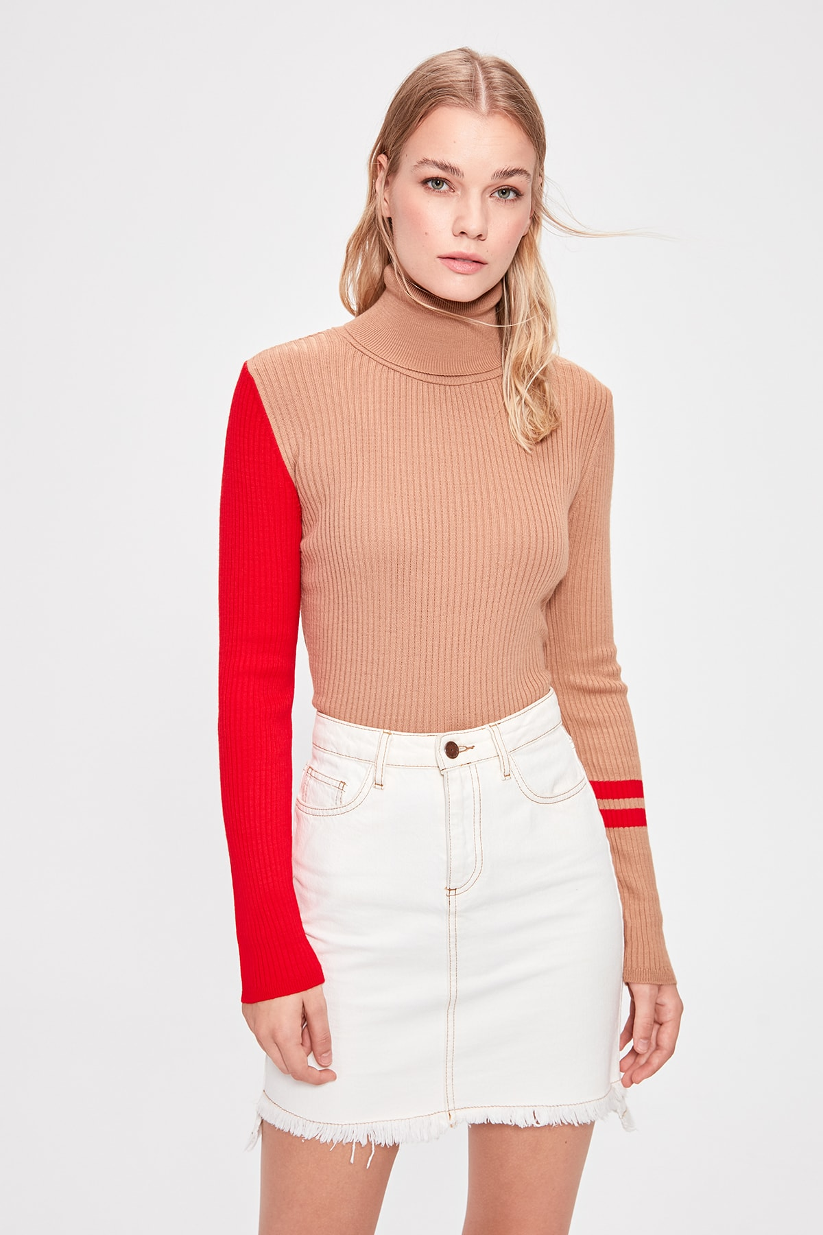 Trendyol Camel Handle With Color Block Sweater Pullover TWOAW20KZ0169