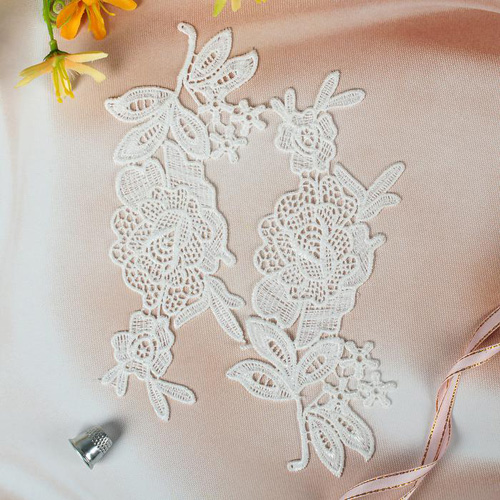 2785901 Appliques Sewing Lais Polyester 19,2*8 Cm White