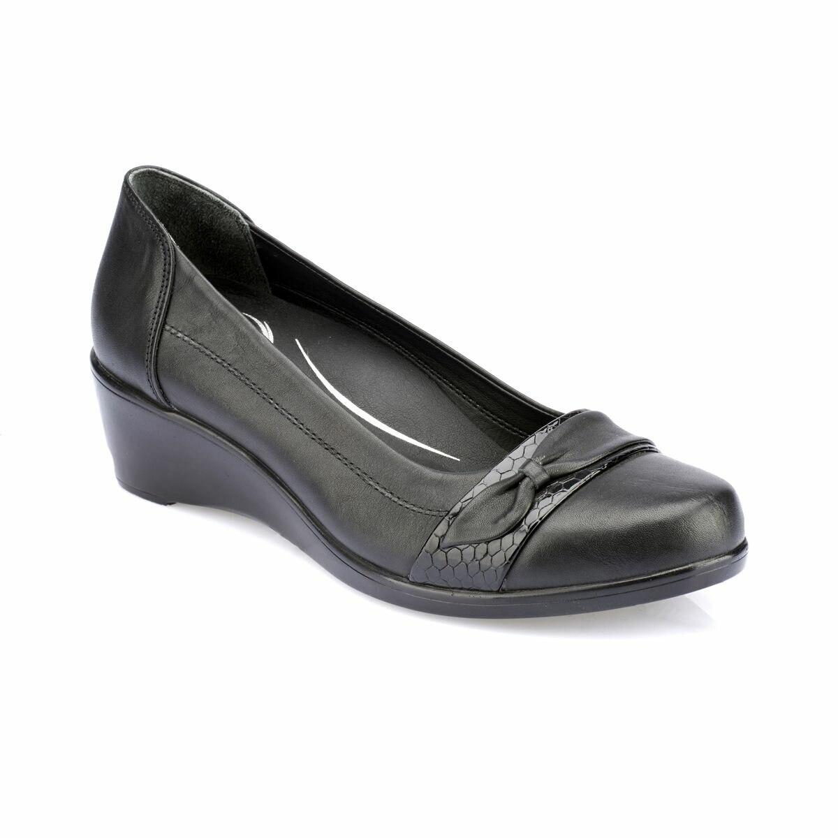 FLO 82.100157.Z Black Women Shoes Polaris 5 Point