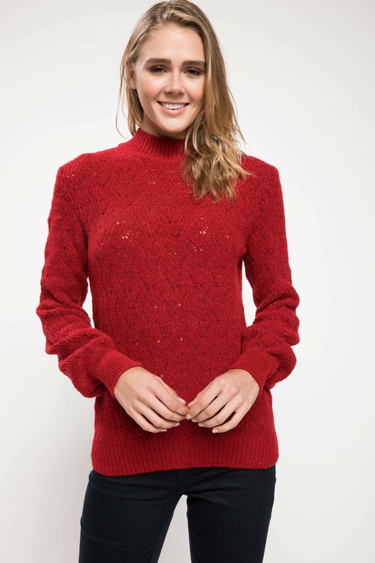 DeFacto Woman Fashion Knitted Pullover Female White Red Color Casual O-neck Sweatshirts Female Leisure Tops Spring - J2121AZ18WN