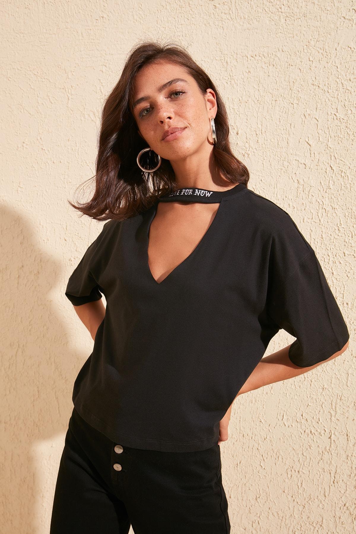 Trendyol Choker Neck Crop Top Knitted T-Shirt TWOSS20TS0528