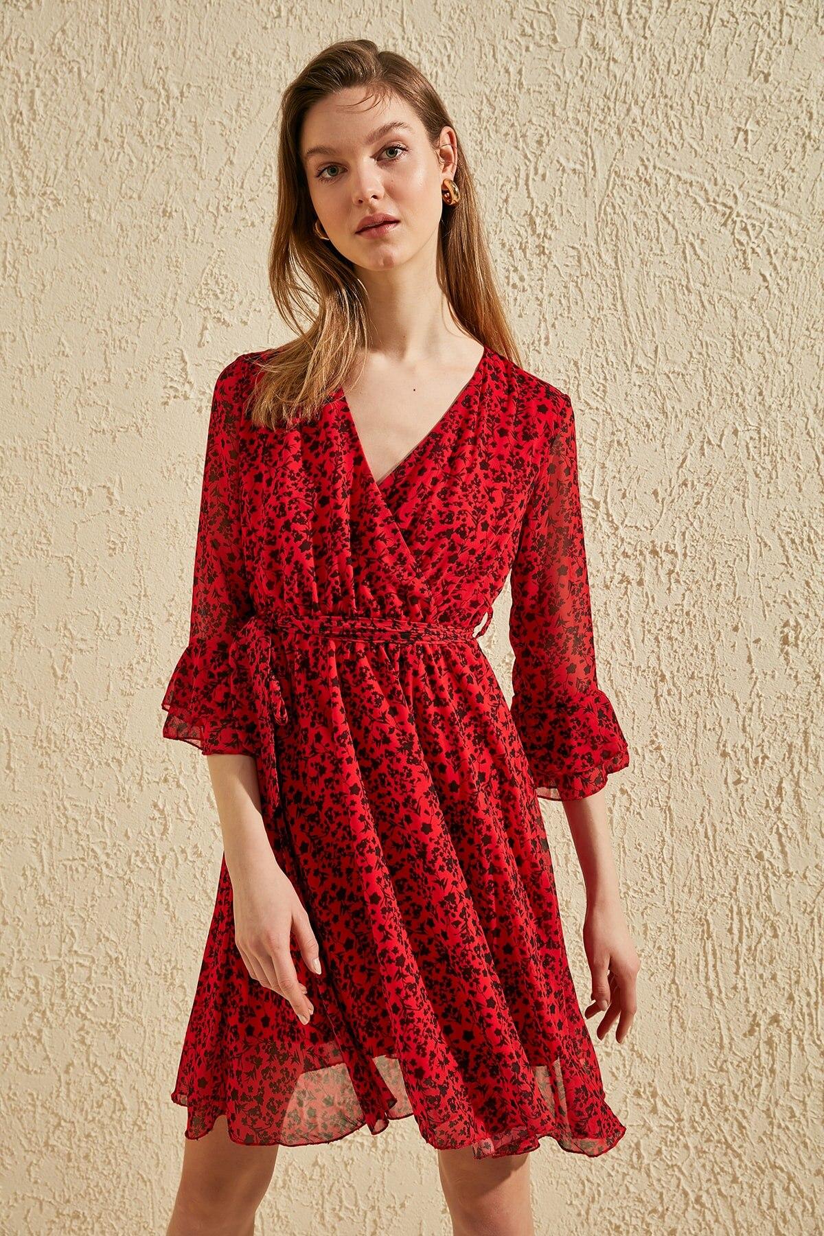 Trendyol Belted Floral Print Dress TWOSS19ST0076
