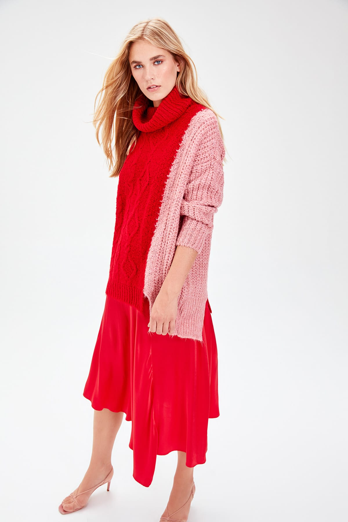 Trendyol WOMEN-Red Color And Mesh Blocky Knitwear Sweater TWOAW20XS0003