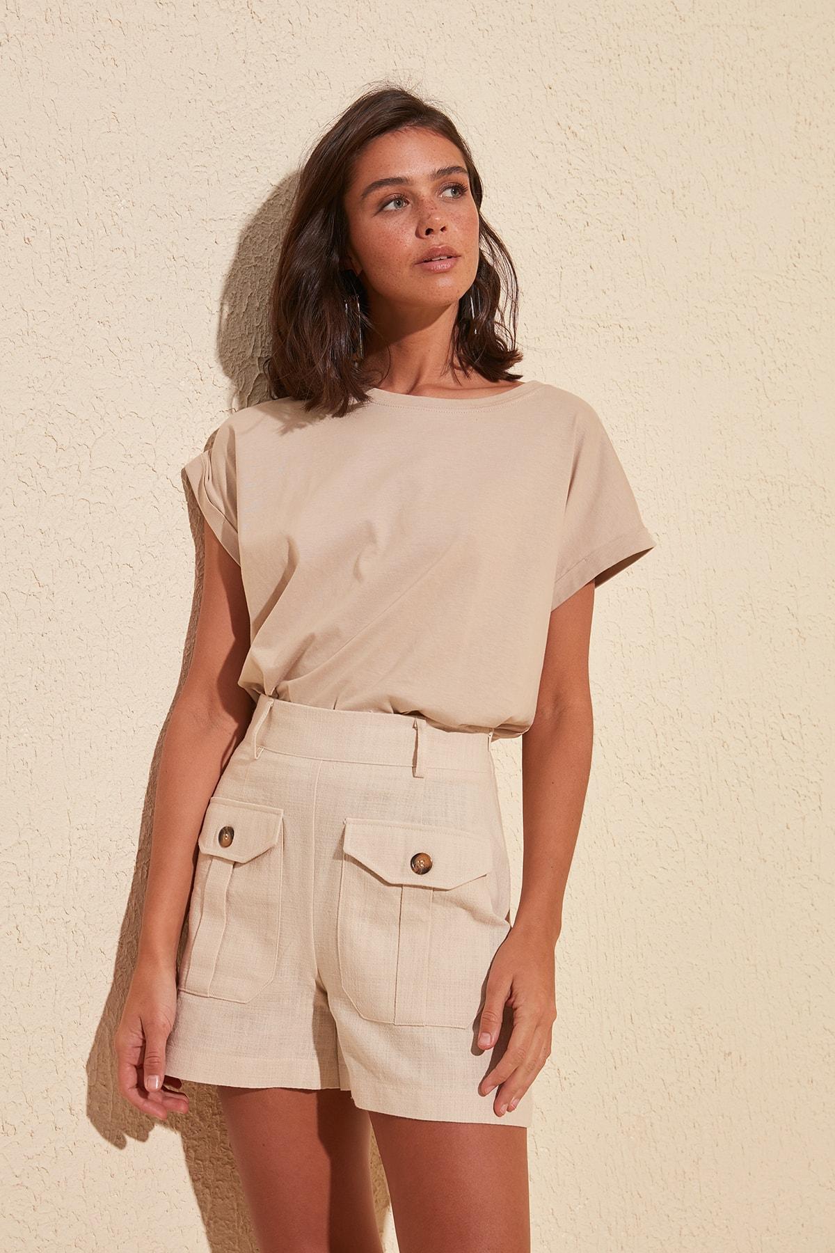 Trendyol Pocket Detail Shorts & Bermuda TWOSS20SR0034