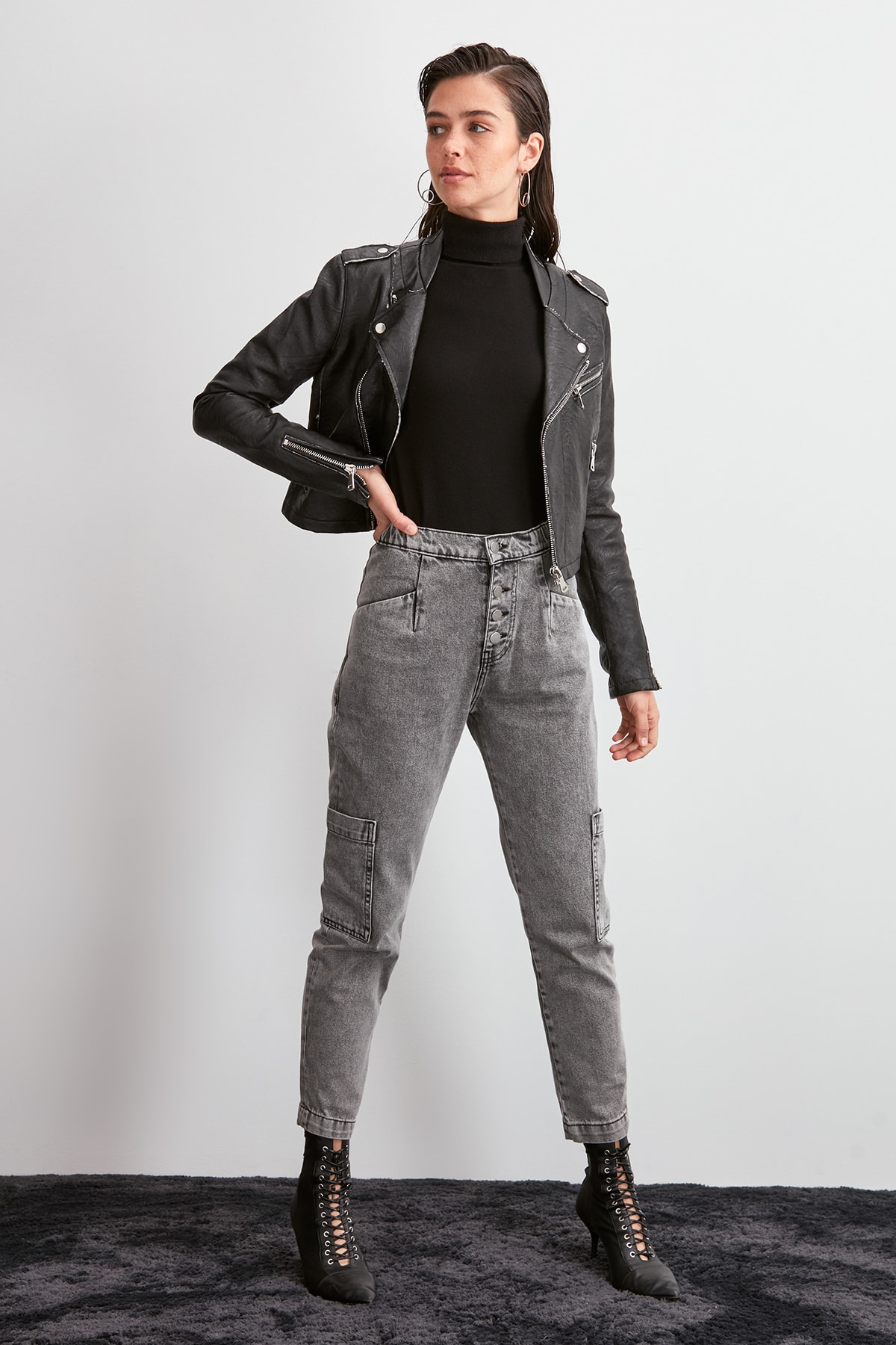 Trendyol-Flushing Beli Wheel High Bel Mom Jeans TWOAW20JE0345