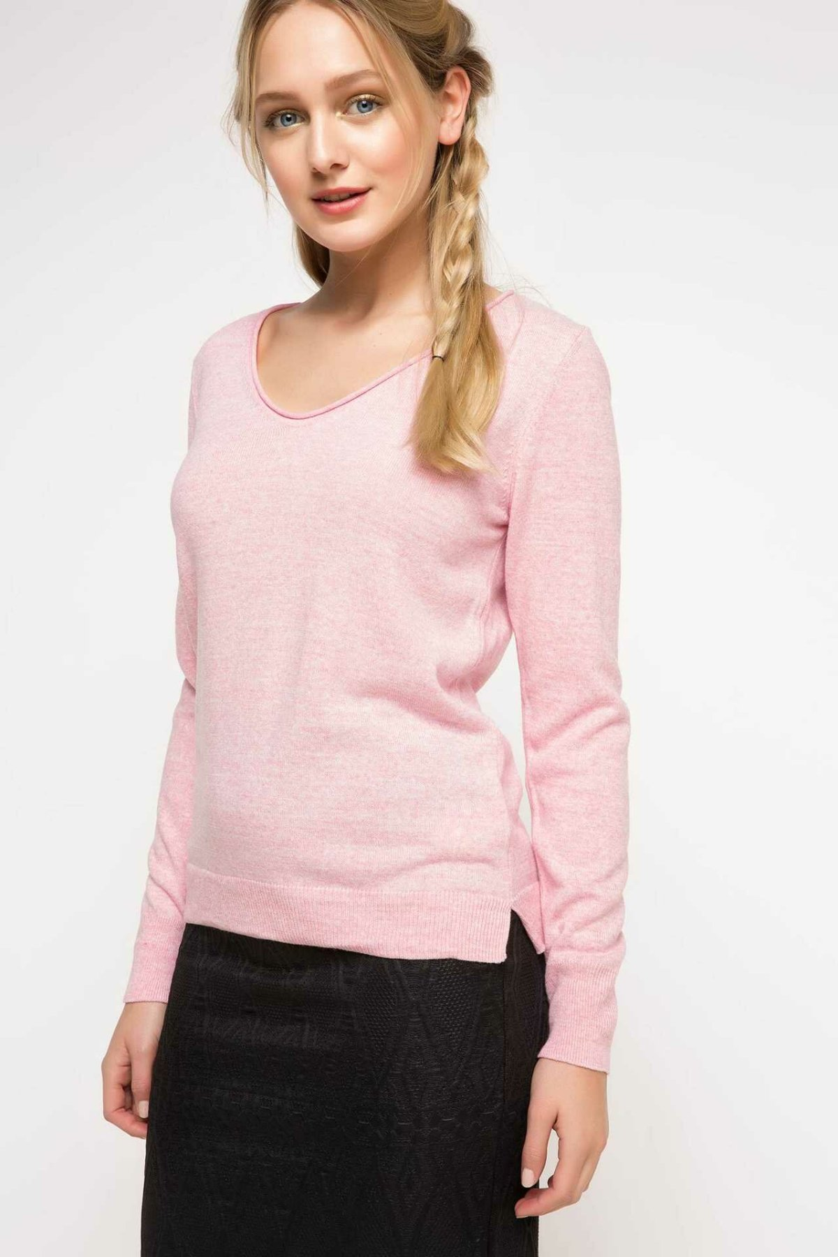 DeFacto V-neck Simple Fashion Solid Women Pullovers Casual Long Sleeves Pullovers Loose Women Autumn New - F6797AZ17AU