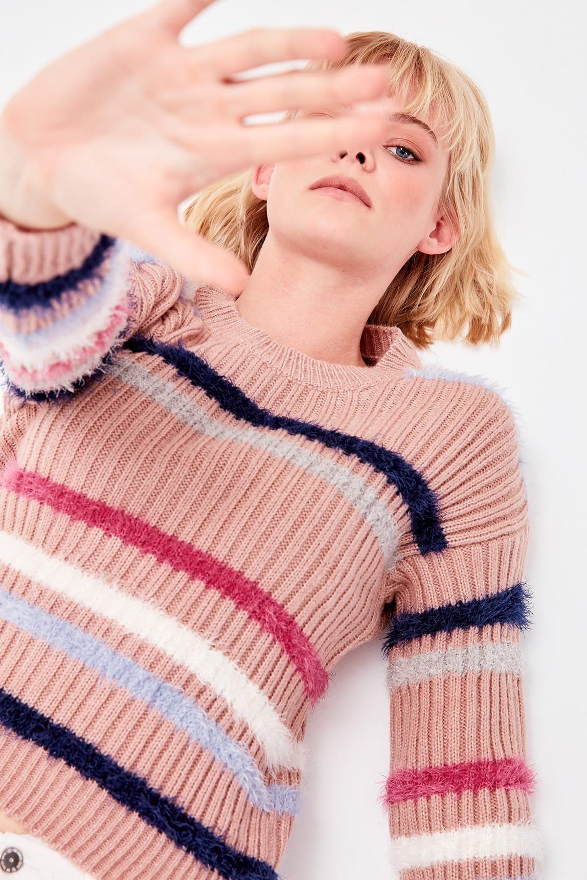 Trendyol WOMEN-Color Rose Beard İplikli Striped Knitwear Sweater TWOAW20ZA0028