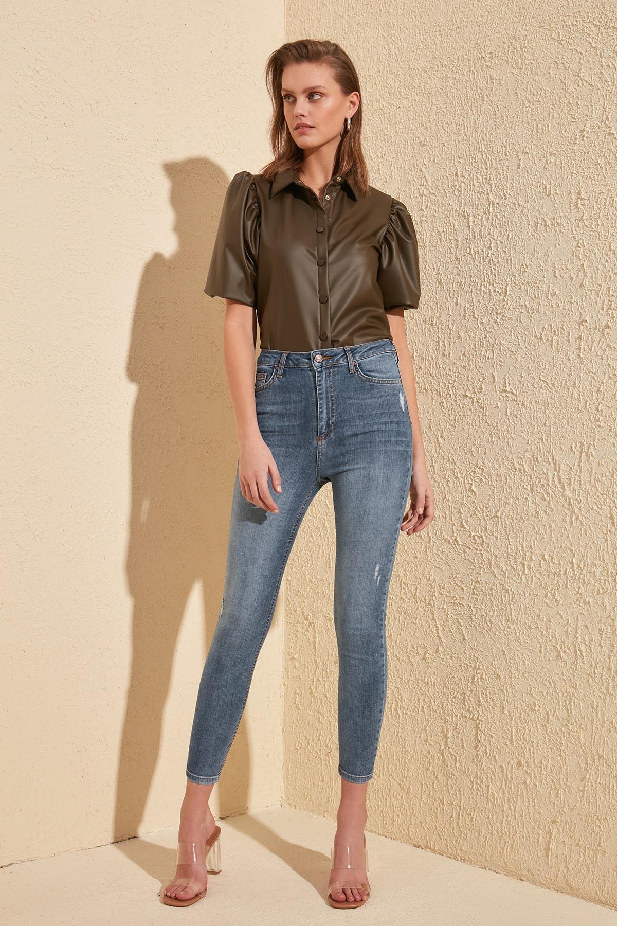 Trendyol Ripped Detailed High Waist Skinny Jeans TWOSS20JE0170