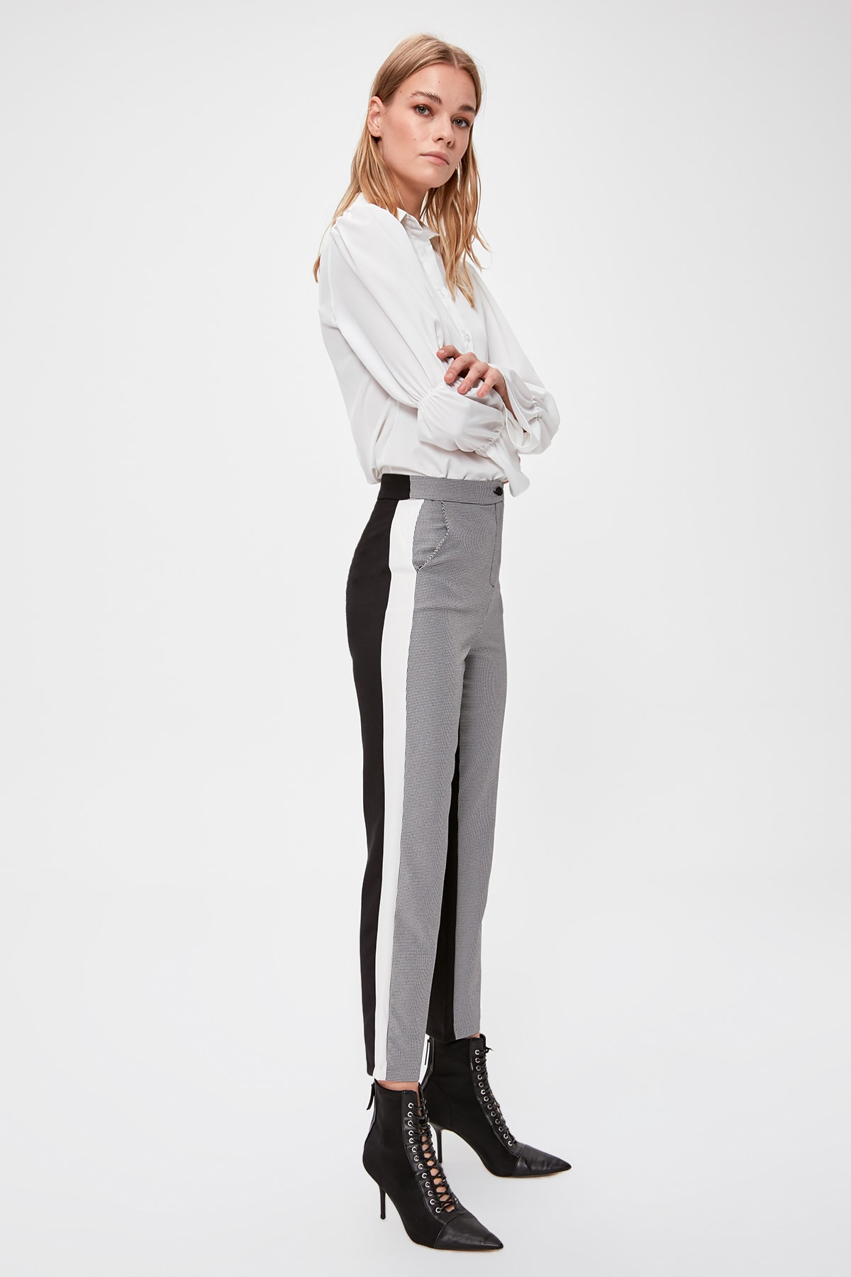 Trendyol Ribbon Detail Pants TWOAW20PL0549