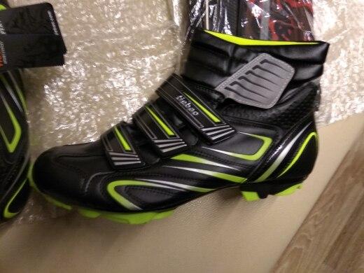 -- Sapatos Inverno Auto-bloqueio