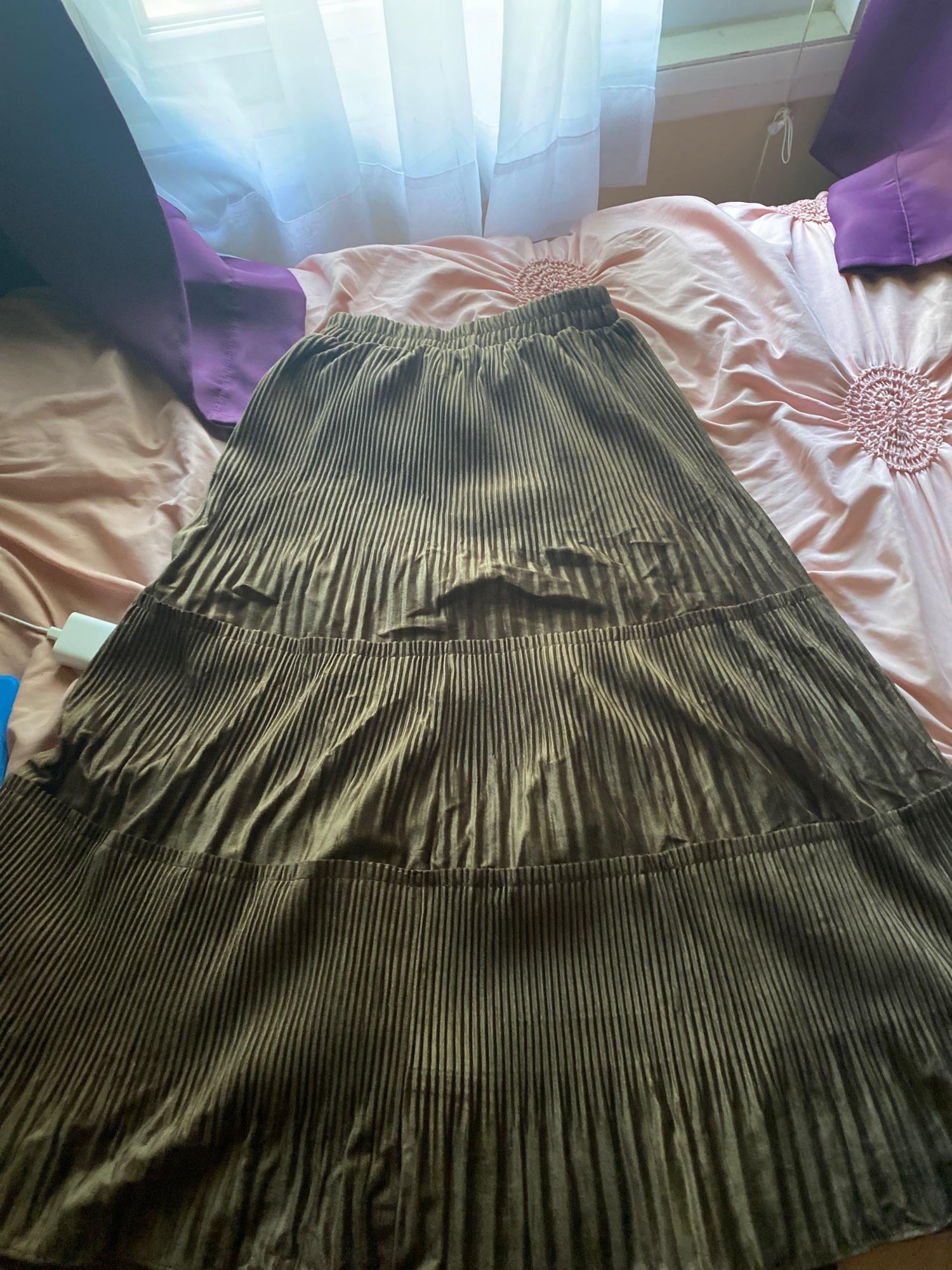 Harajuku Vintage Long Velvet Pleated Skirts photo review