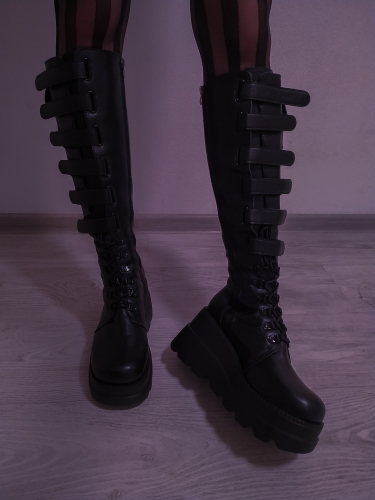 High Heels mid-calf Boots with Platform photo review