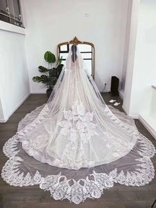 Image 5 - One layer Shinny Veil Long Cathedral Length 4 meter long 3 meter wide with comb ivory with shinny sequins