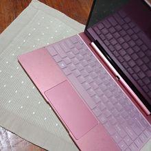 C'est un ordinateur portable au design tellement incroyable, de grande qualité et élégant,