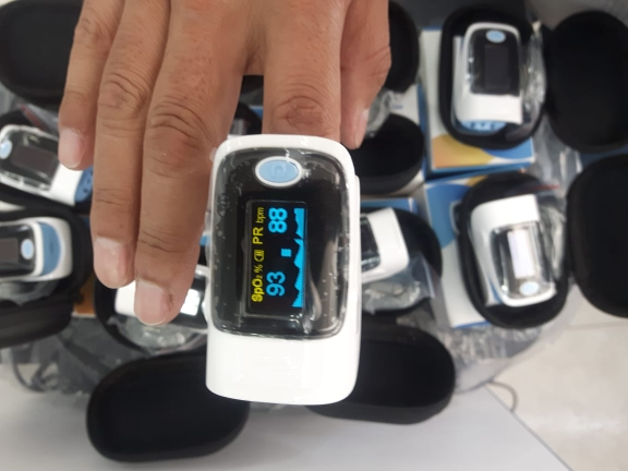 Pressão arterial Oxímetro Digital Saturação