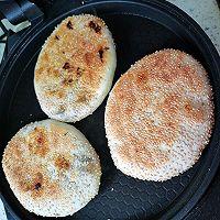 #太太乐鲜鸡汁芝麻香油#梅干菜肉烧饼的做法图解39