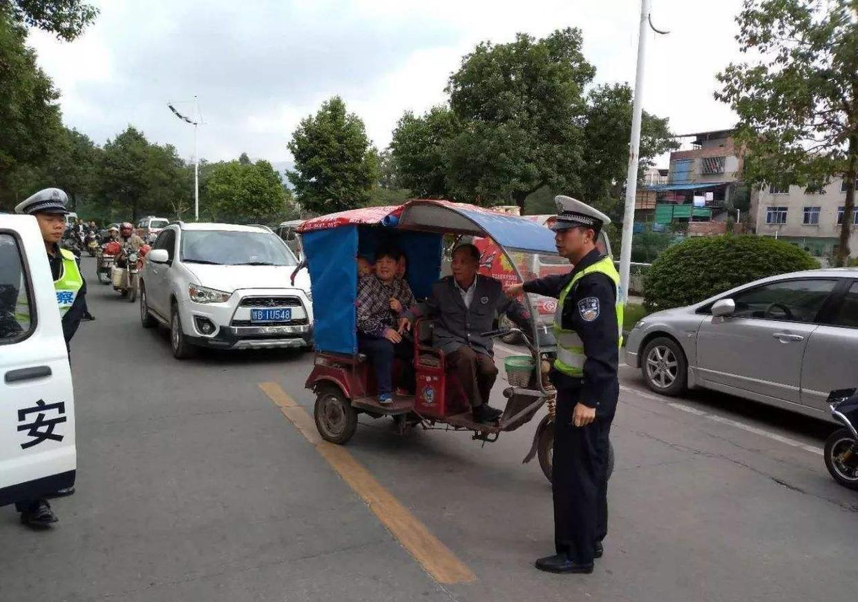 电动三轮车不能上路、不让进城,农产品何去何从?农民:上牌难插图(5)