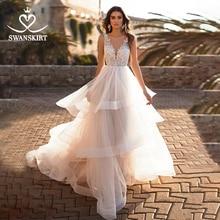 Romantische V hals Trouwjurk Fee Applicaties Lace A lijn Ruches Tulle Hof Trein Swanskirt N147 Bruid Gown Vestido De Noiva