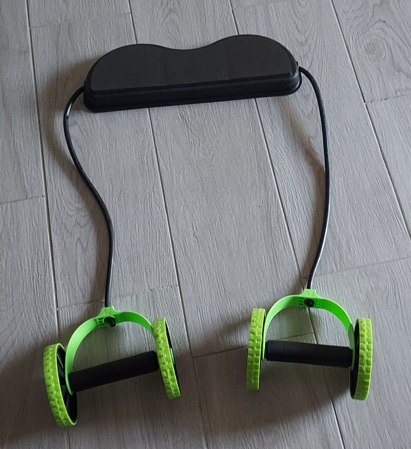 AB Roller with Resistance Bands photo review