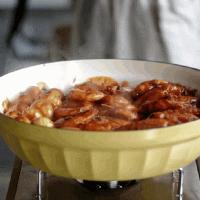 红红火火三汁焖锅的做法图解16