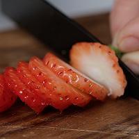 被刷屏的蛋糕----草莓***--感受少女的甜蜜的做法图解3