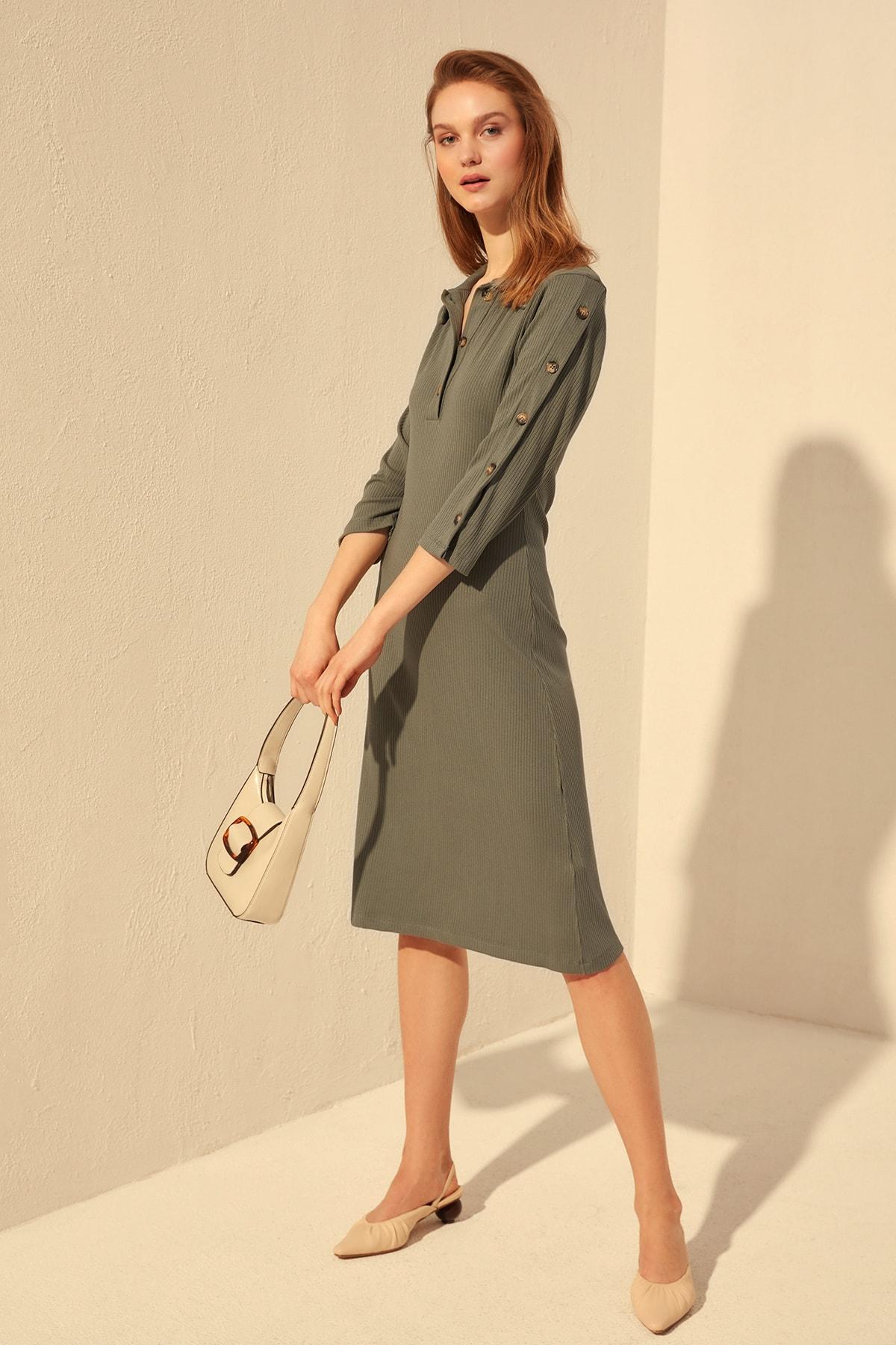 Trendyol Button Detail Knit Dress TWOSS20EL0643