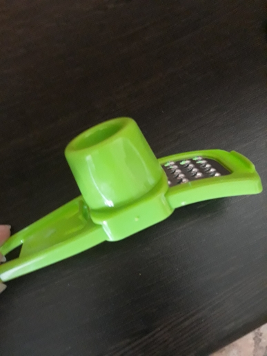 Microplane Kitchen Vegetable Garlic Press Juicer