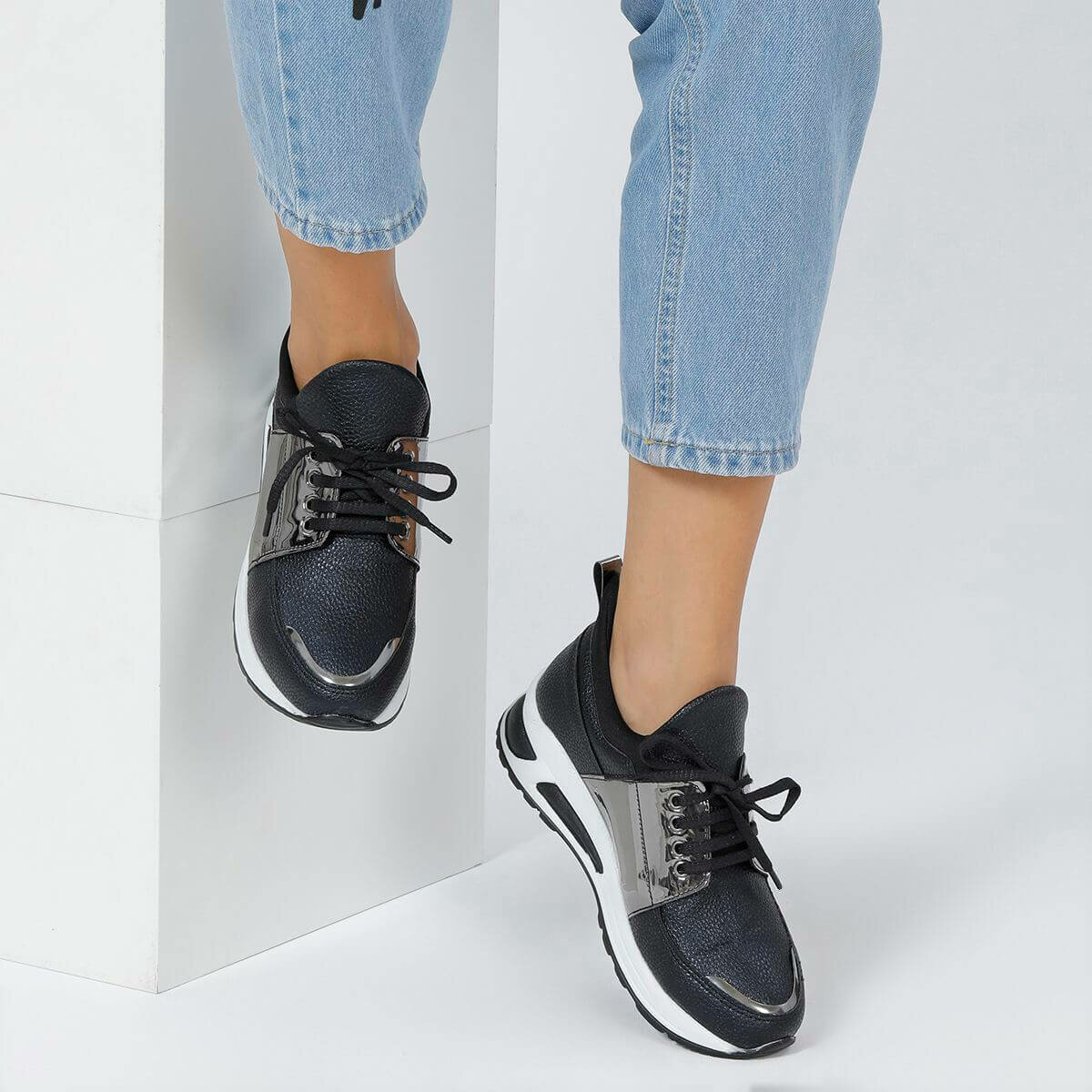 FLO BEYOND85Z SKIN Black Women Shoes BUTIGO