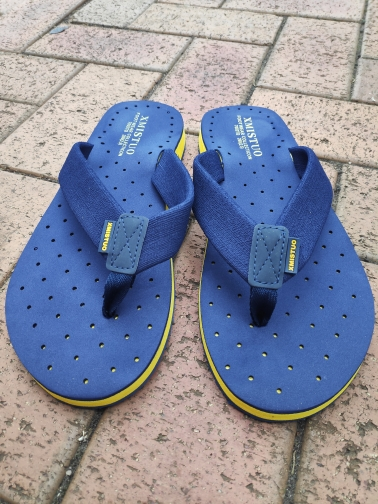 XMISTUO Summer Korean big size Tide Slippers Men Non slip Cool Flip Flops Breathable Thick soled Sandals Slippers Toe Sandals-in Flip Flops from Shoes on AliExpress