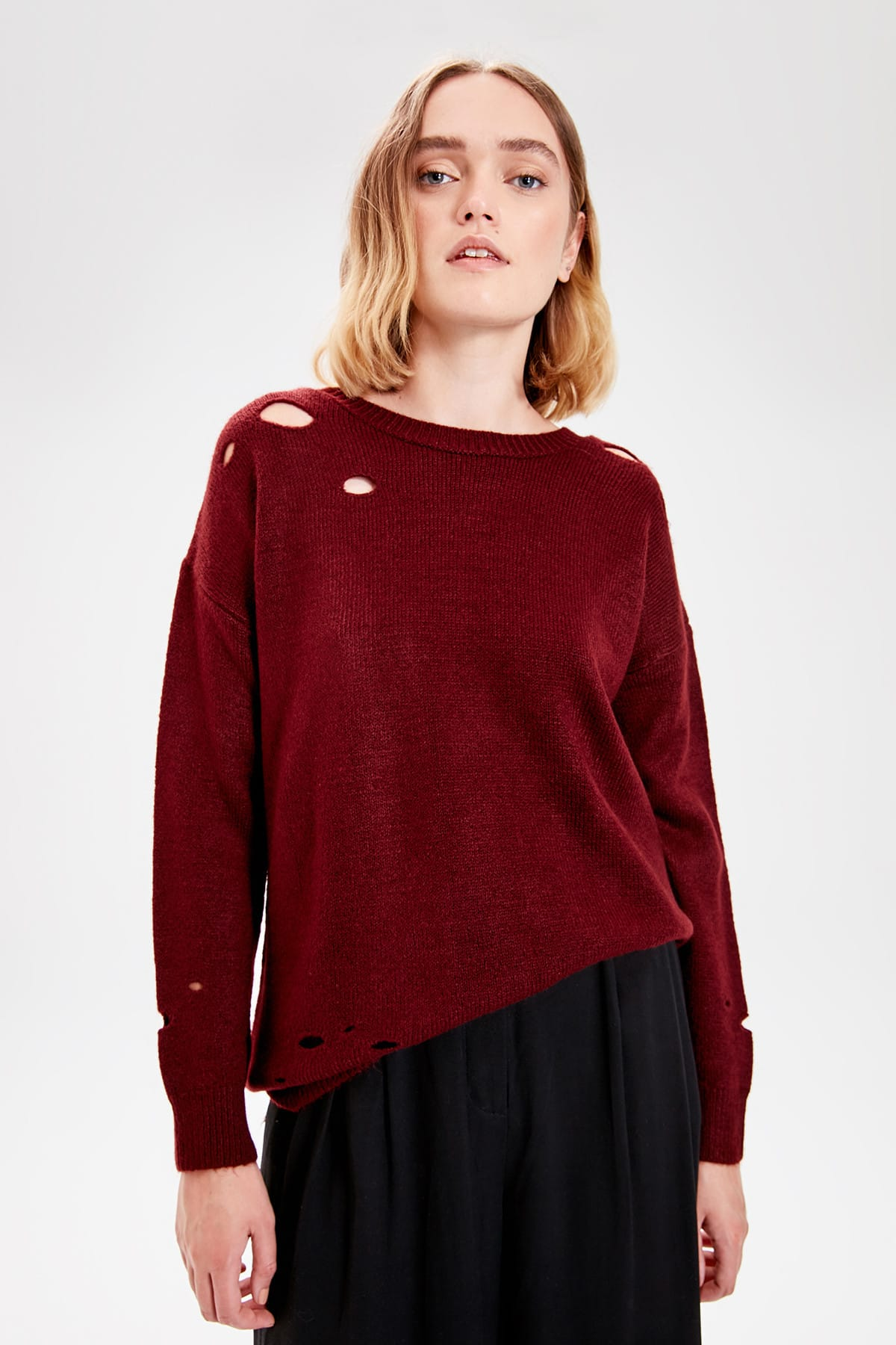 Trendyol Burgundy Ripped Detailed Knitwear Sweater TWOAW20ZA0074